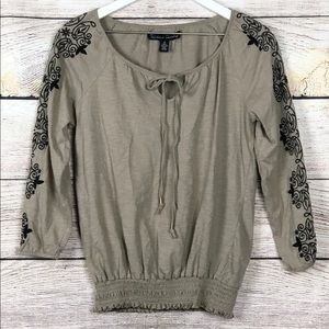 French Laundry   Floral Embroidered Top